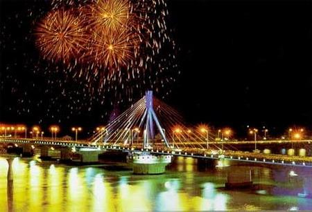 Khám phá vẻ đẹp cầu quay sông Hàn