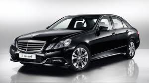 Thuê xe Mercedes E200