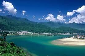 Vịnh Lăng Cô - Vẻ đẹp hoang sơ, bình dị